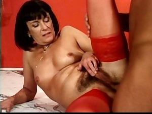 anal with a aged milf hairy butthole troia culo peloso