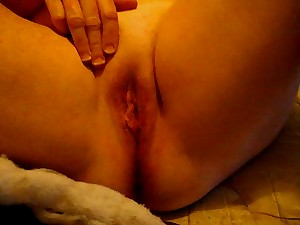 Discharged Vid of wife lately gaming with her muff