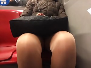 aged upskirt legs tights in metro component 3