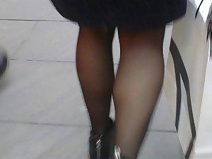 Walking lady in tights