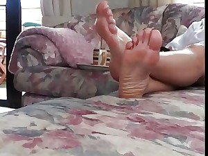 UK Mama Directly Basements and Feet Pt 2